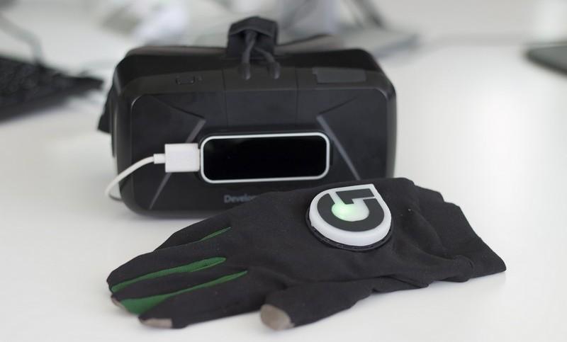 Очки и шлем виртуальной реальности