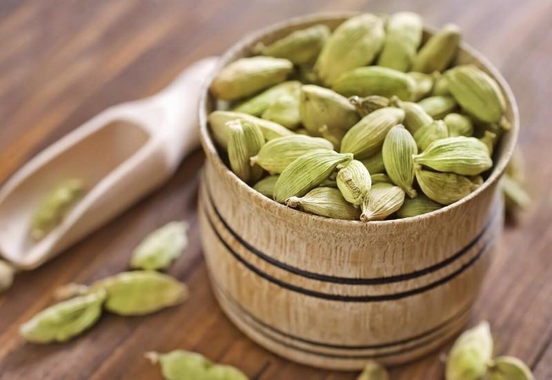 Полезные свойства кардамона для мужчин и женщин